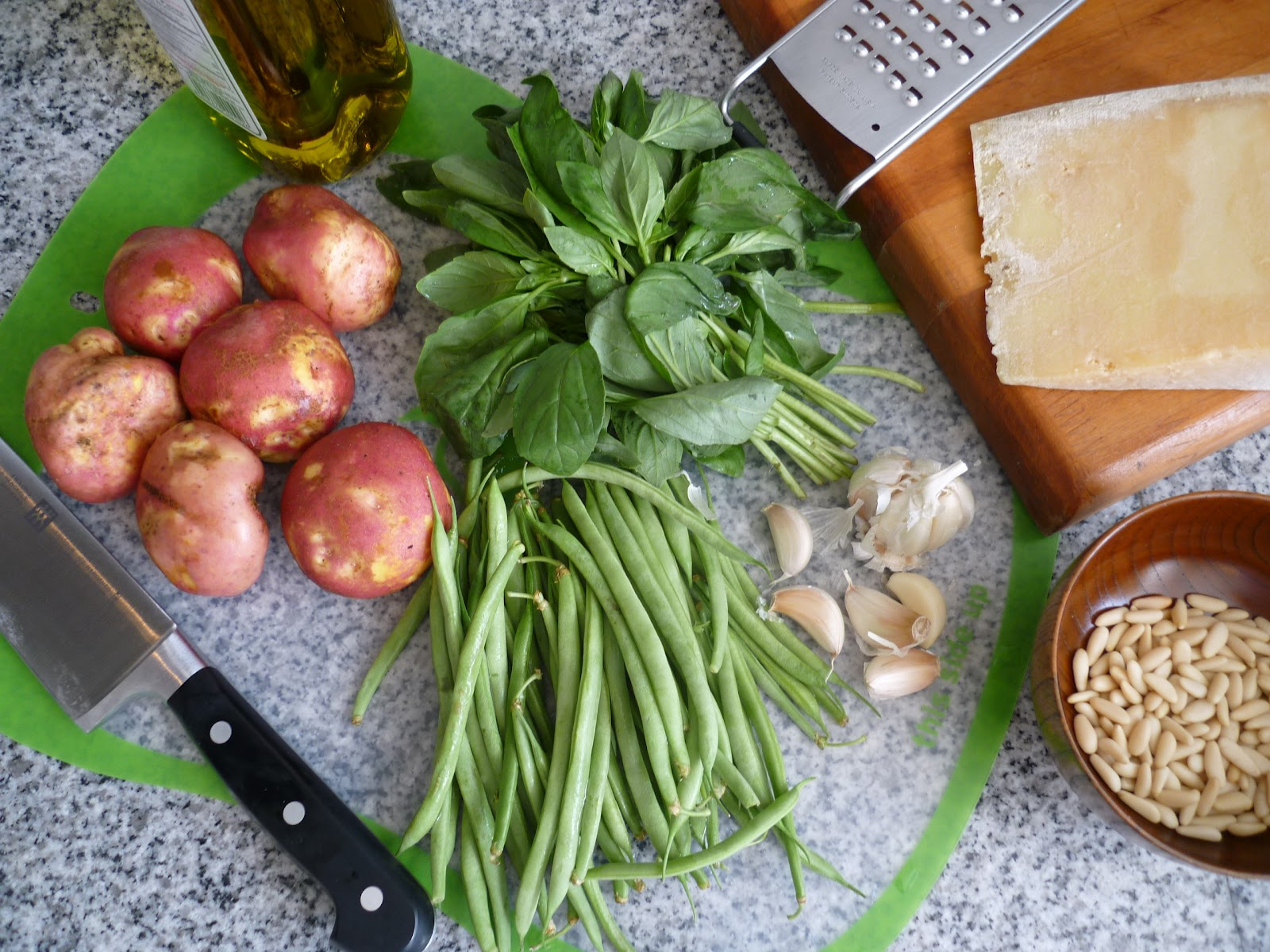 Tagliatelle + Pesto de Albahaca + Vainitas + Papitas - 02